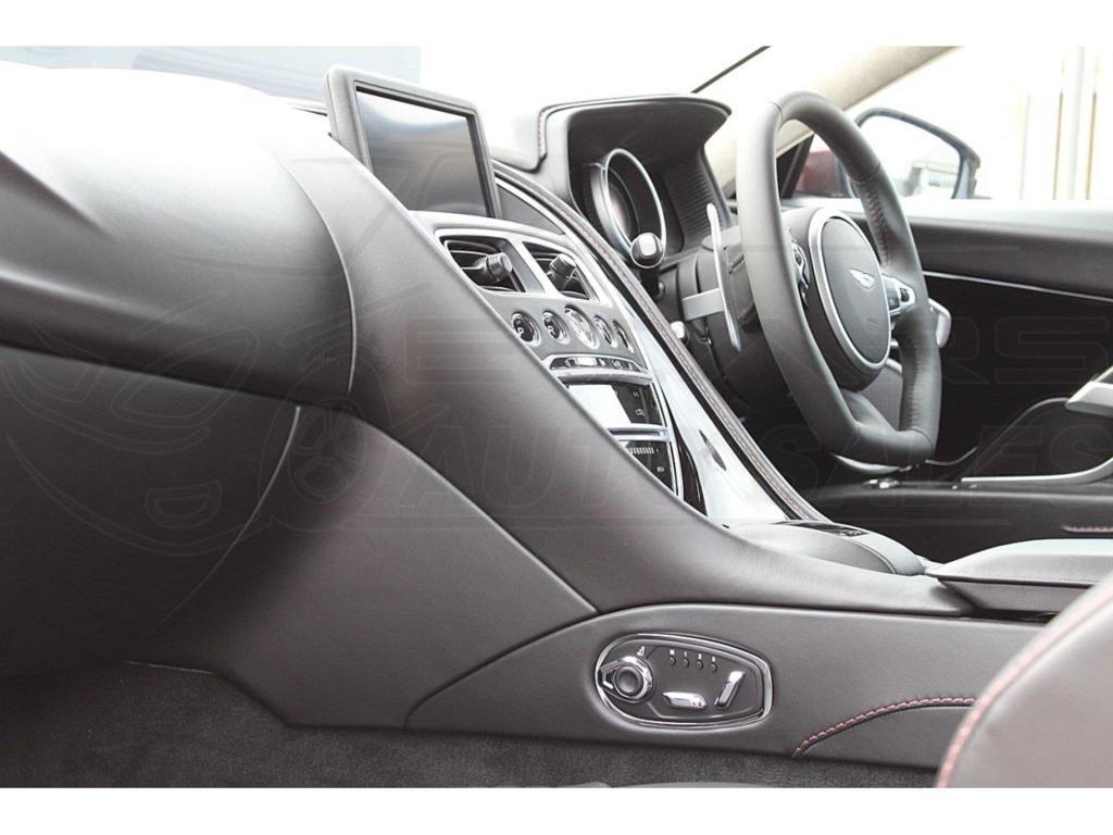 2256 - Aston Martin DB11 V12 - 5204CC, Automatic, 2019 - E